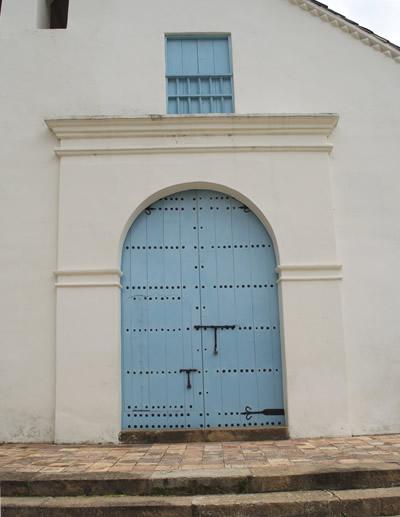 Puertas y cerrojos traidos de España