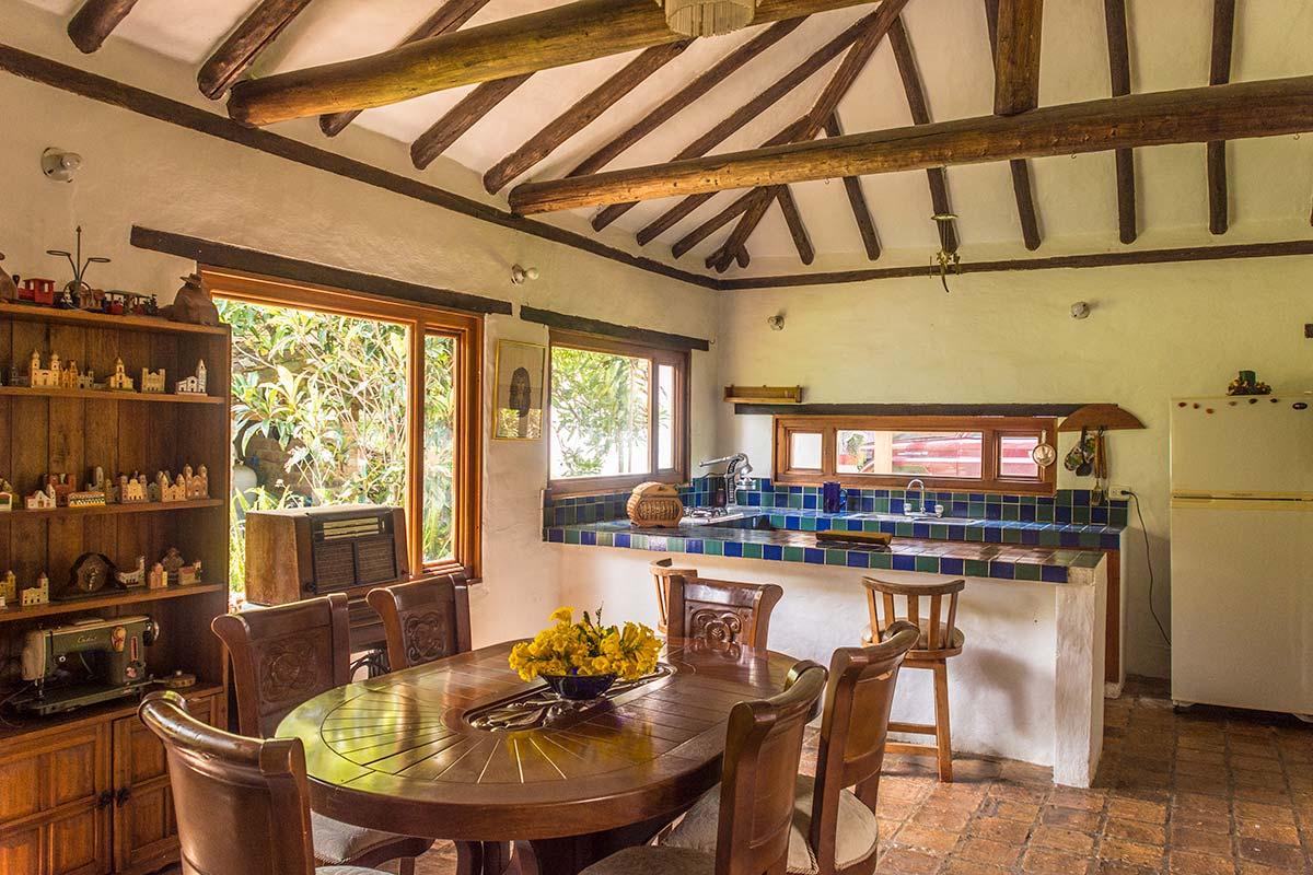 Alquilar Casa Flores en Villa de Leyva - Comedor y cocina