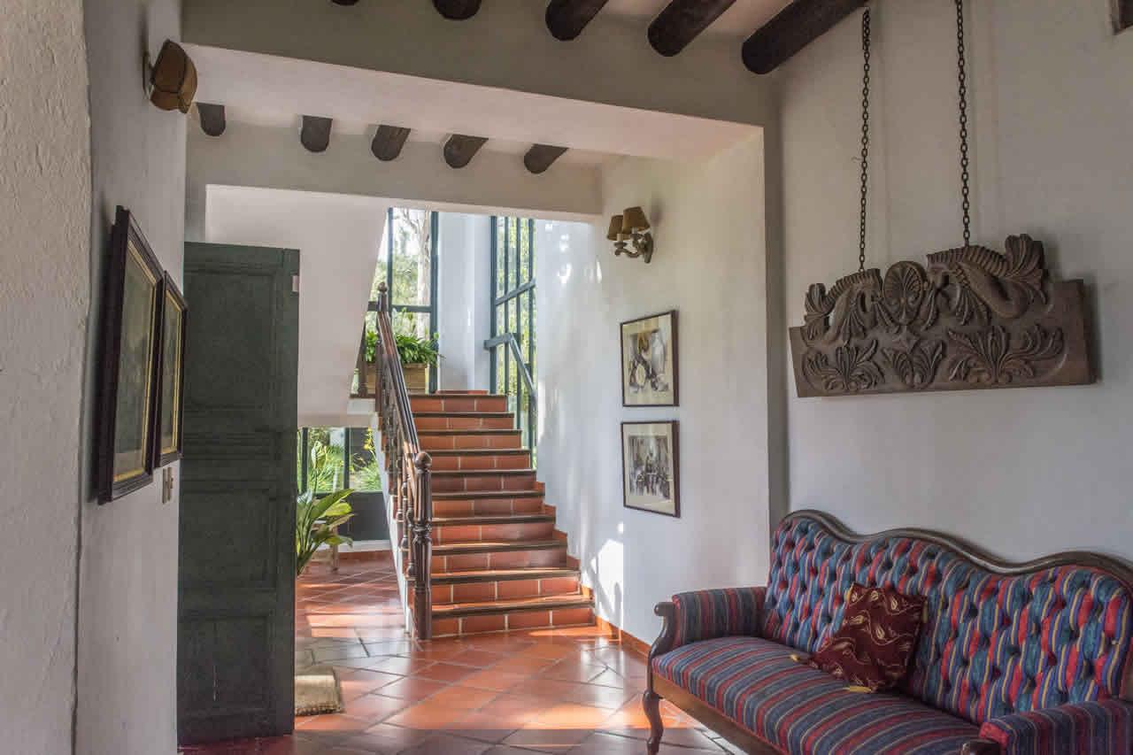 Casa Acanday para alquilar en Villa de Leyva - Pasillo escalera
