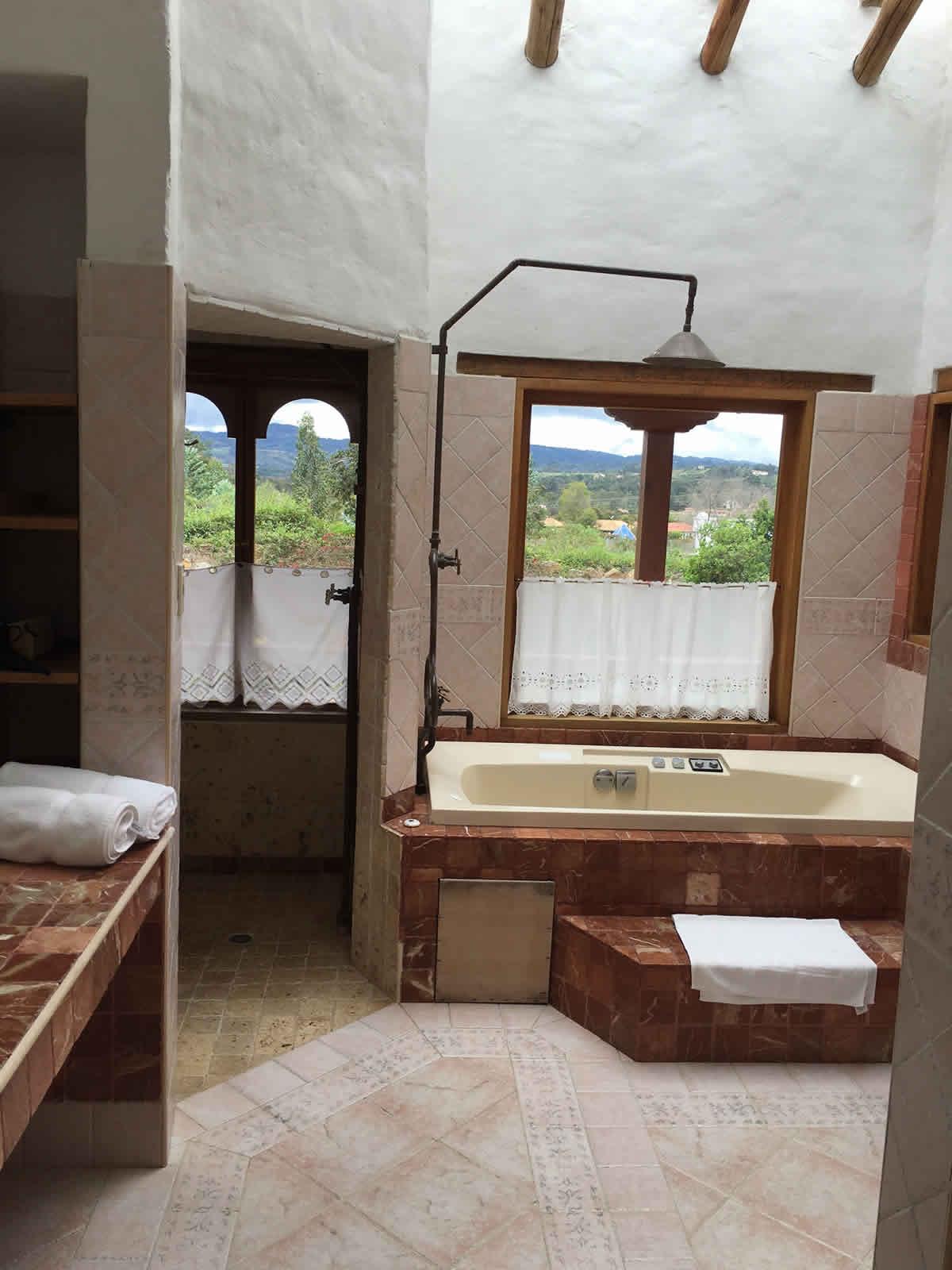 Baño casa Furachagua Villa de Leyva