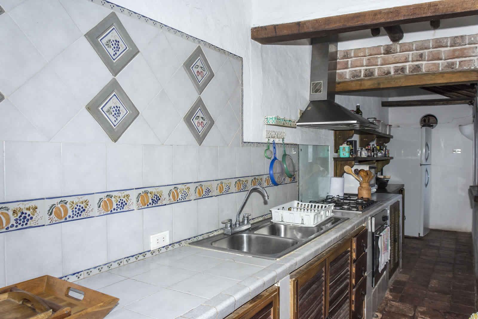 Cocina casa oasis para alquiler en villa de leyva
