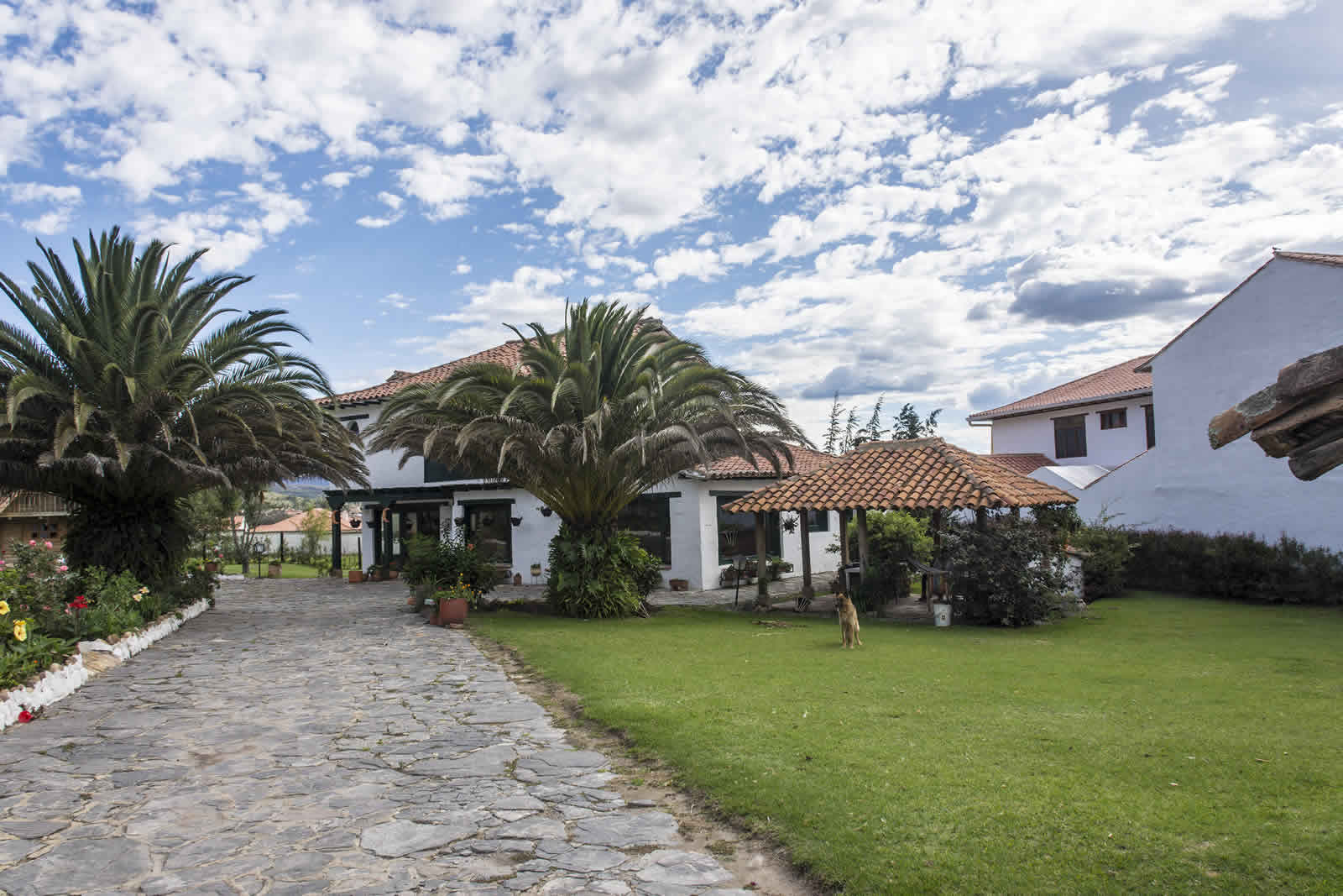 Fachada casa tamoe en Villa de Leyva