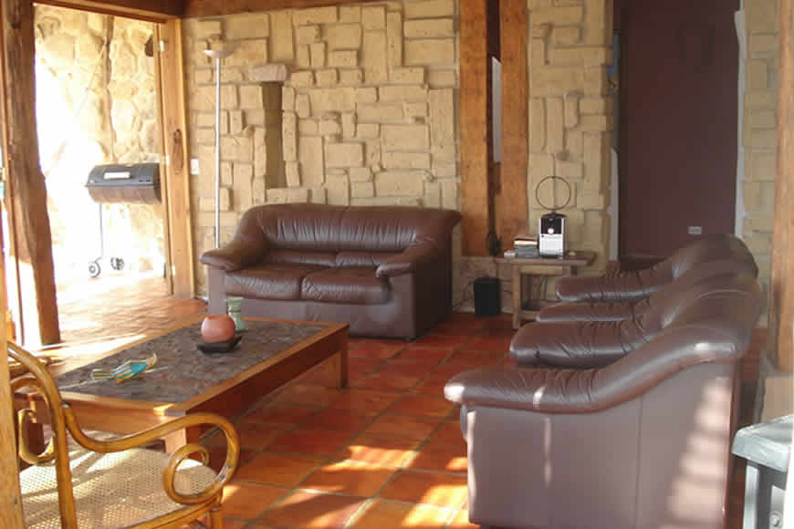Sala casa San Juan de Luz en Villa de Leyva