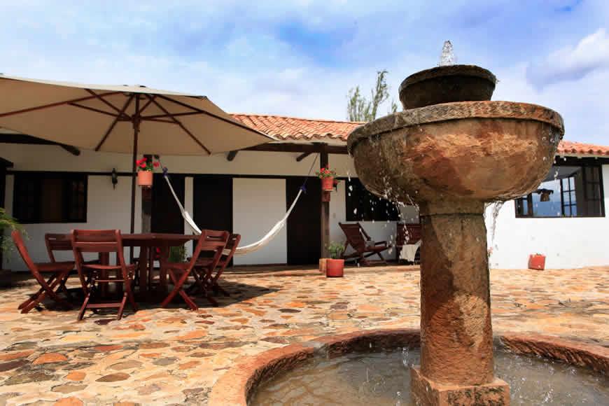 Terraza casa del río en Villa de Leyva