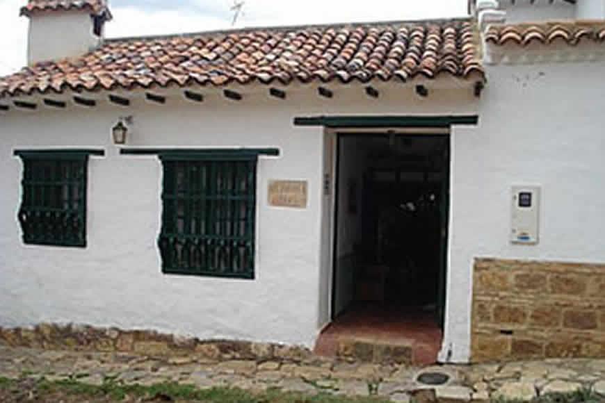 Fachada casa valparaiso en Villa de Leyva