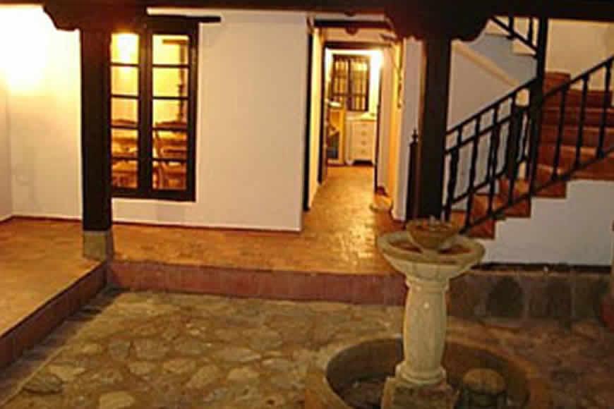 Patio interno casa Valparaiso en Villa de Leyva