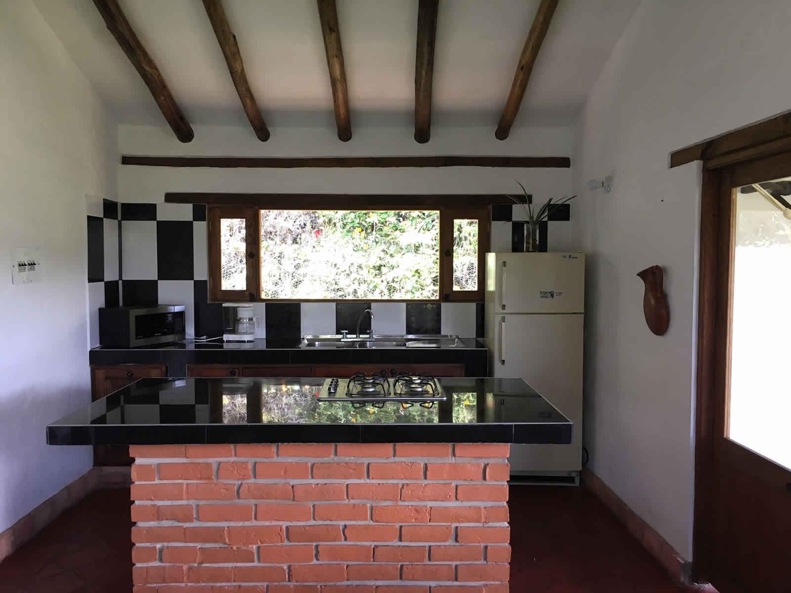 Alquiler cabaña El Paraíso en Villa de Leyva - cocina
