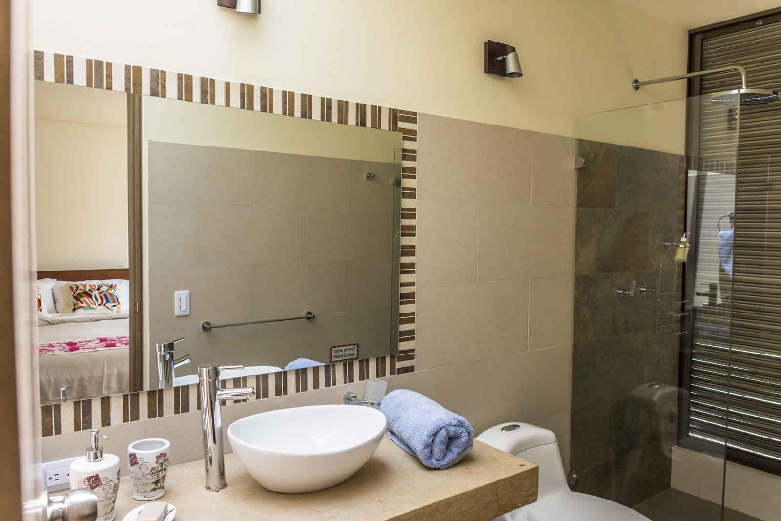 Baño de la habitación 2 casa ecce homo villa de leyva