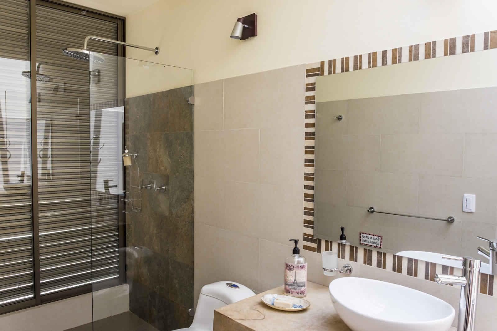 Baño de la habitación 3 casa ecce homo villa de leyva
