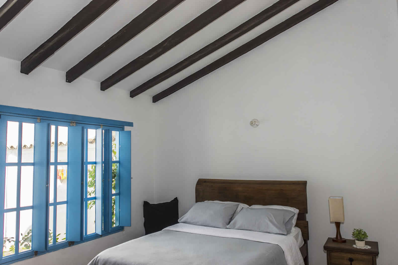 Alquiler Casa Azul en Villa de Leyva Escalera habitación 2