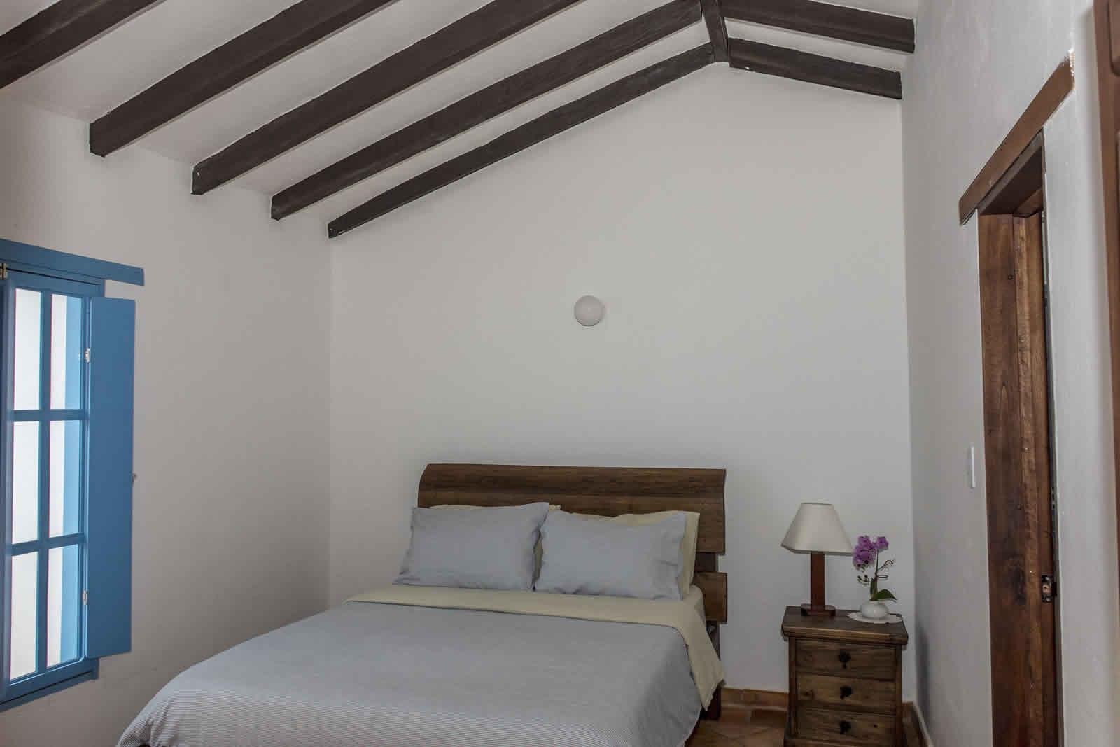 Alquiler Casa Azul en Villa de Leyva Escalera habitación 4