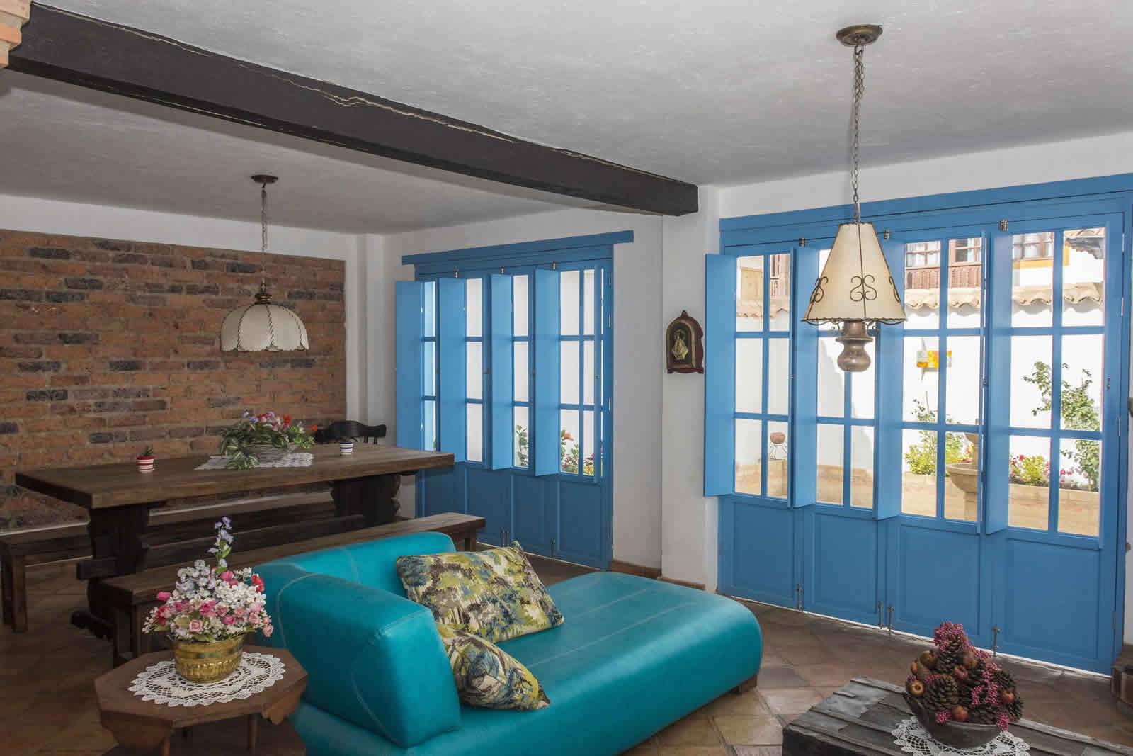 Alquiler Casa Azul en Villa de Leyva sala
