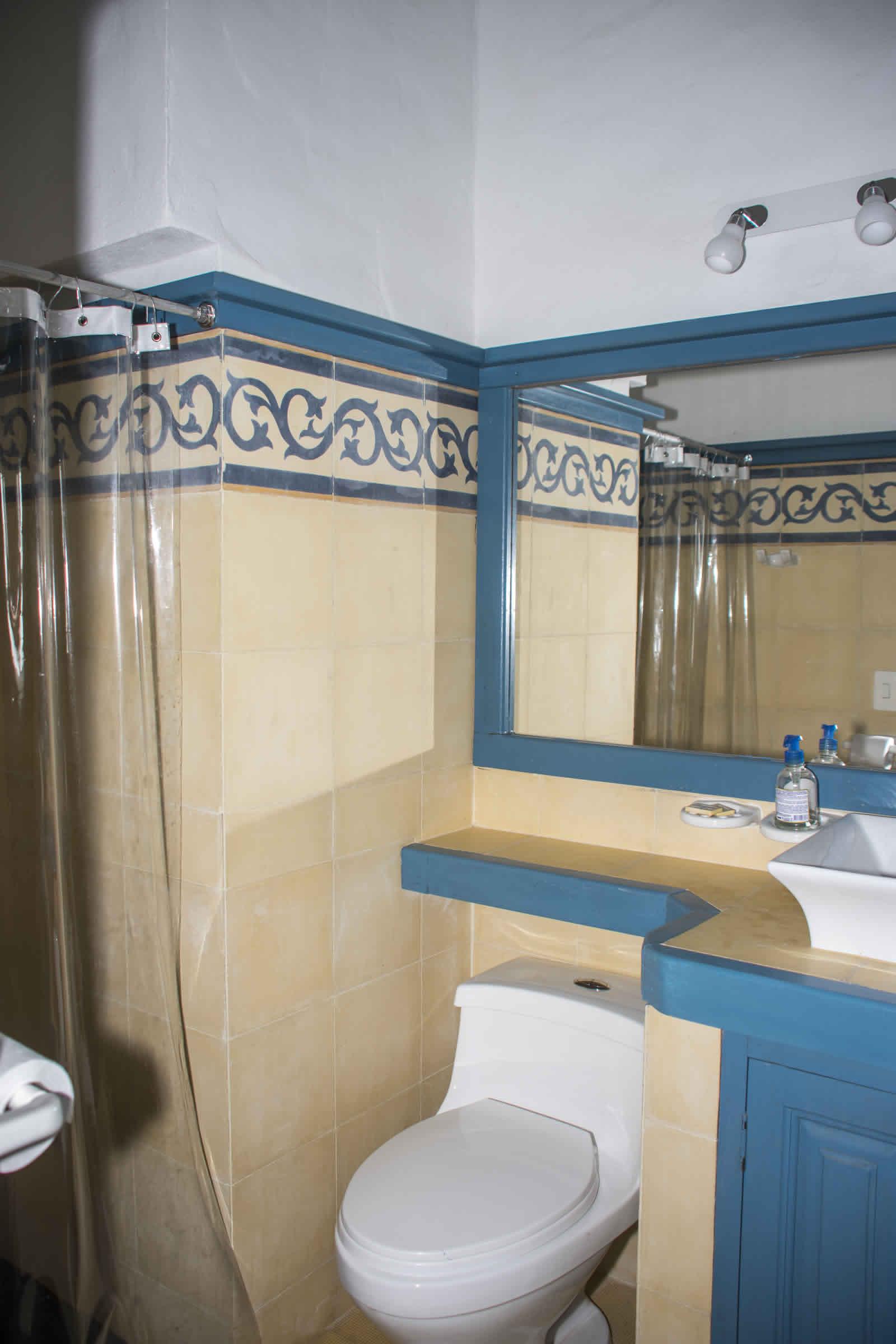 Alquiler casa Tulato Villa de Leyva baño auxiliar