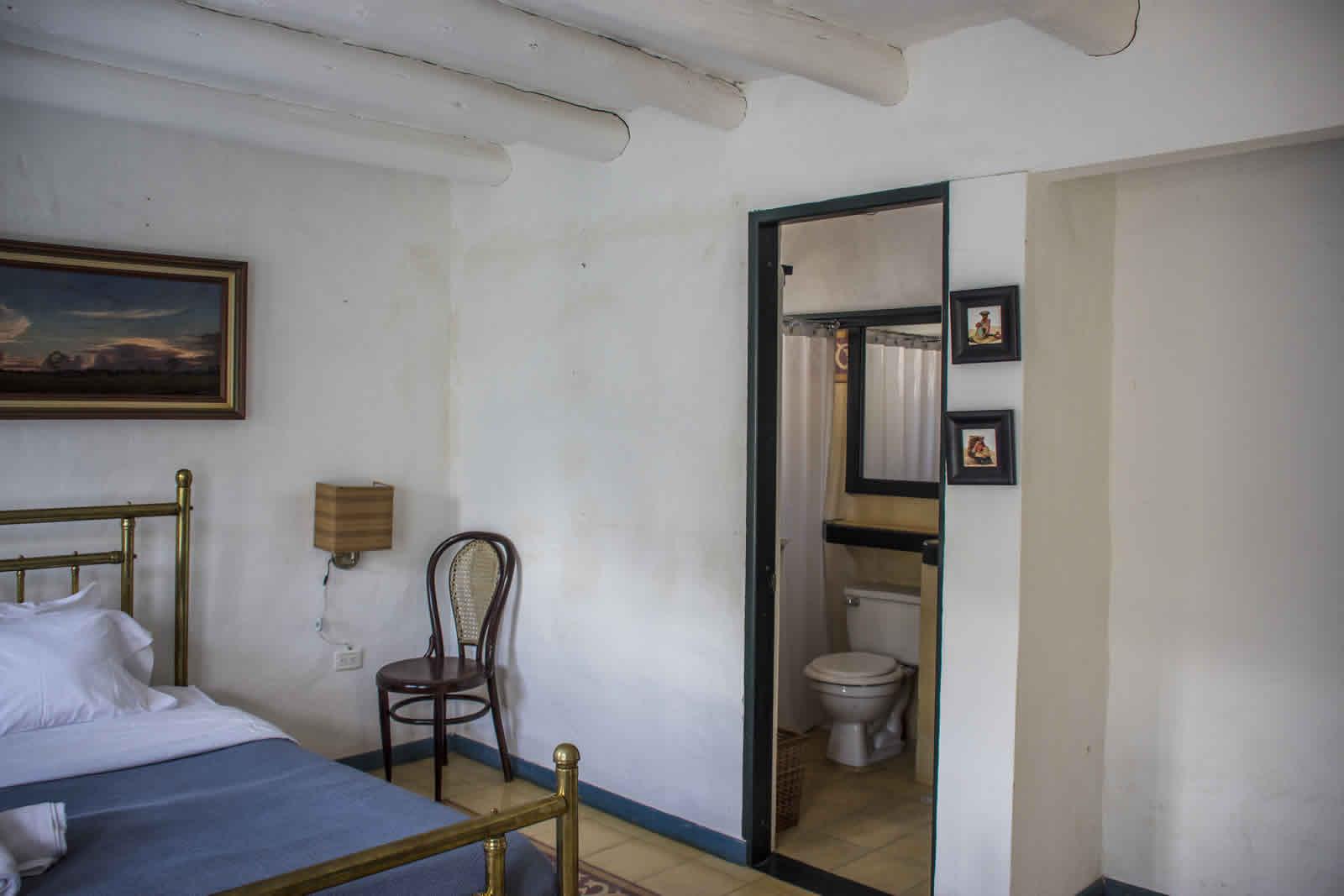 Alquiler casa Tulato Villa de Leyva baño habitación 2