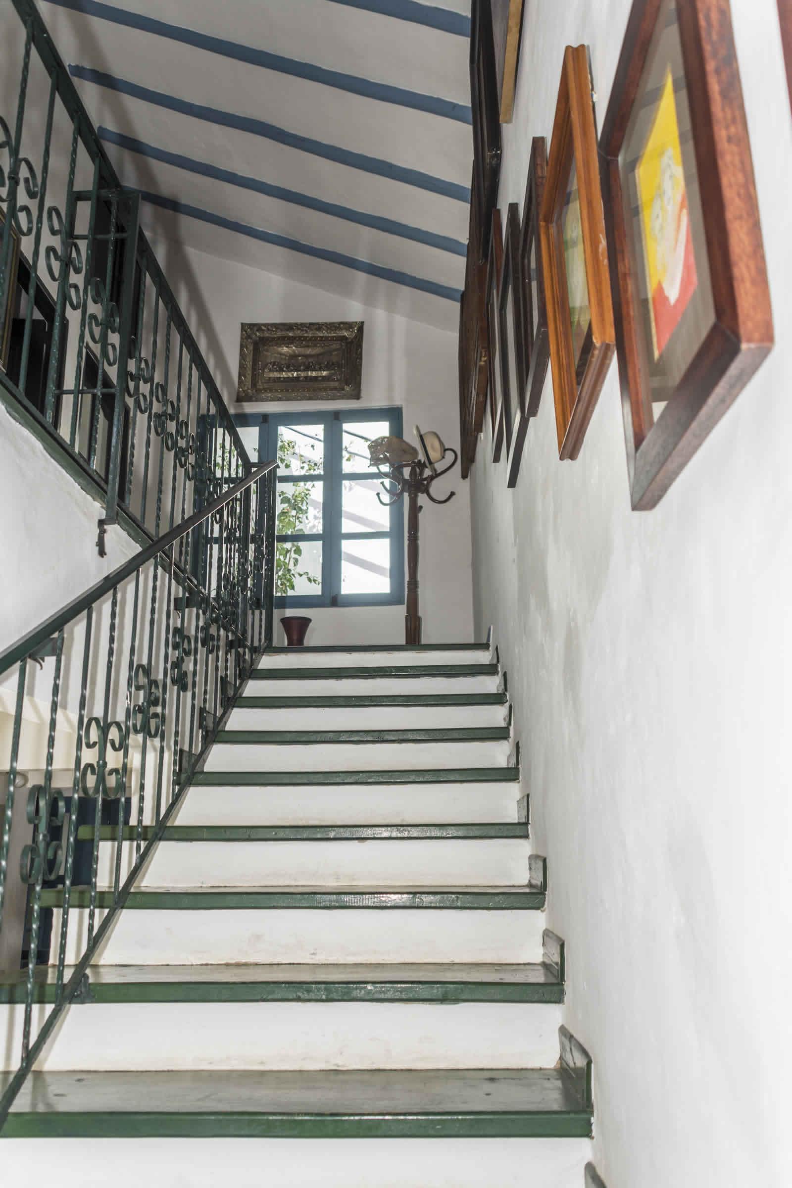 Alquiler casa Tulato Villa de Leyva escalera