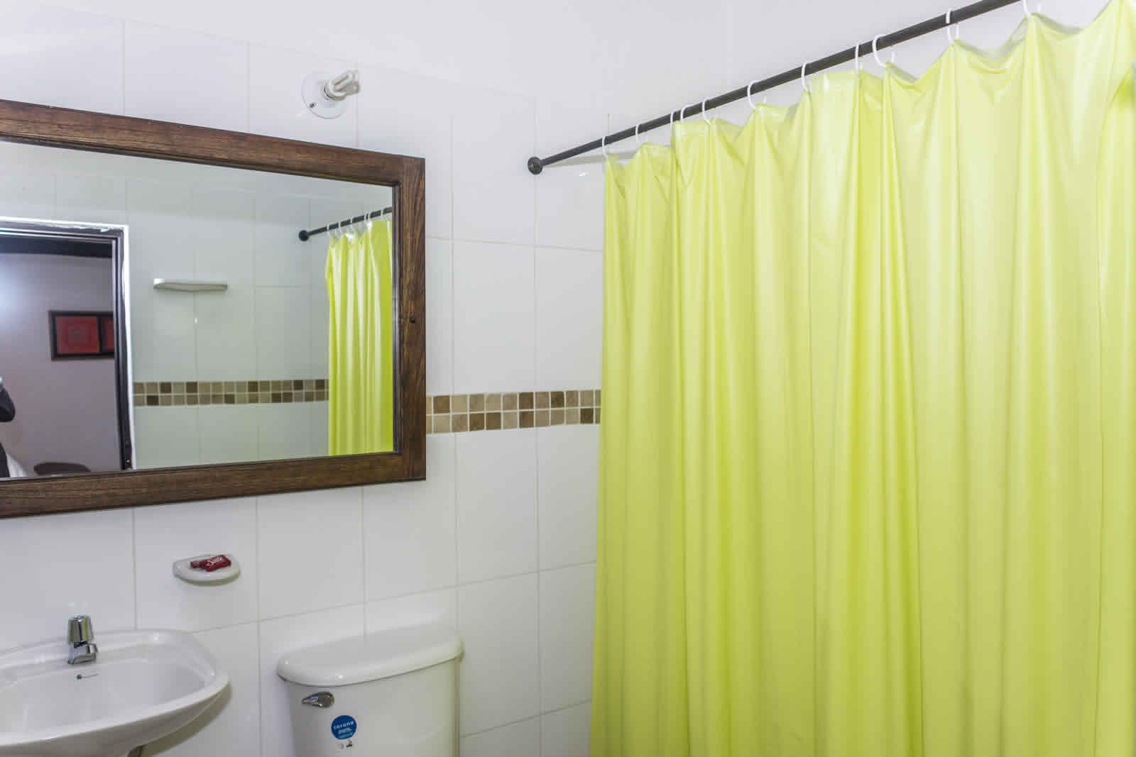 Alquiler casa de verano Villa de Leyva baño habitación 1
