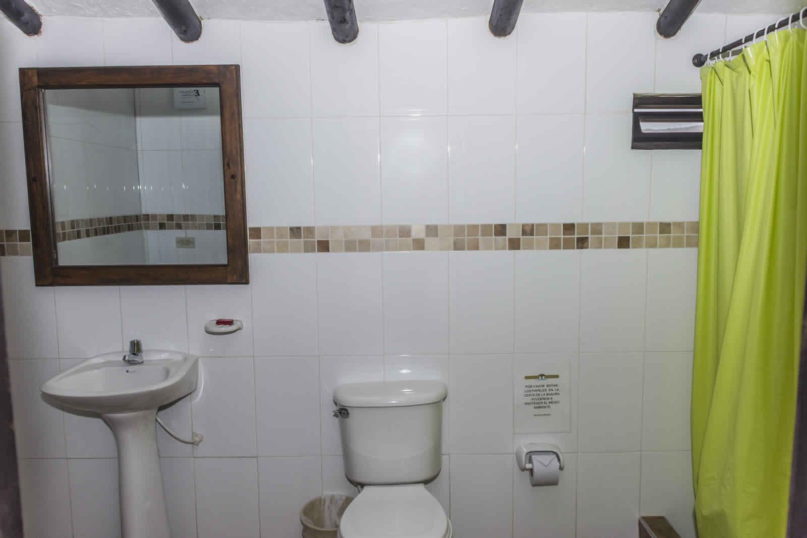 Alquiler casa de verano Villa de Leyva baño habitación 2