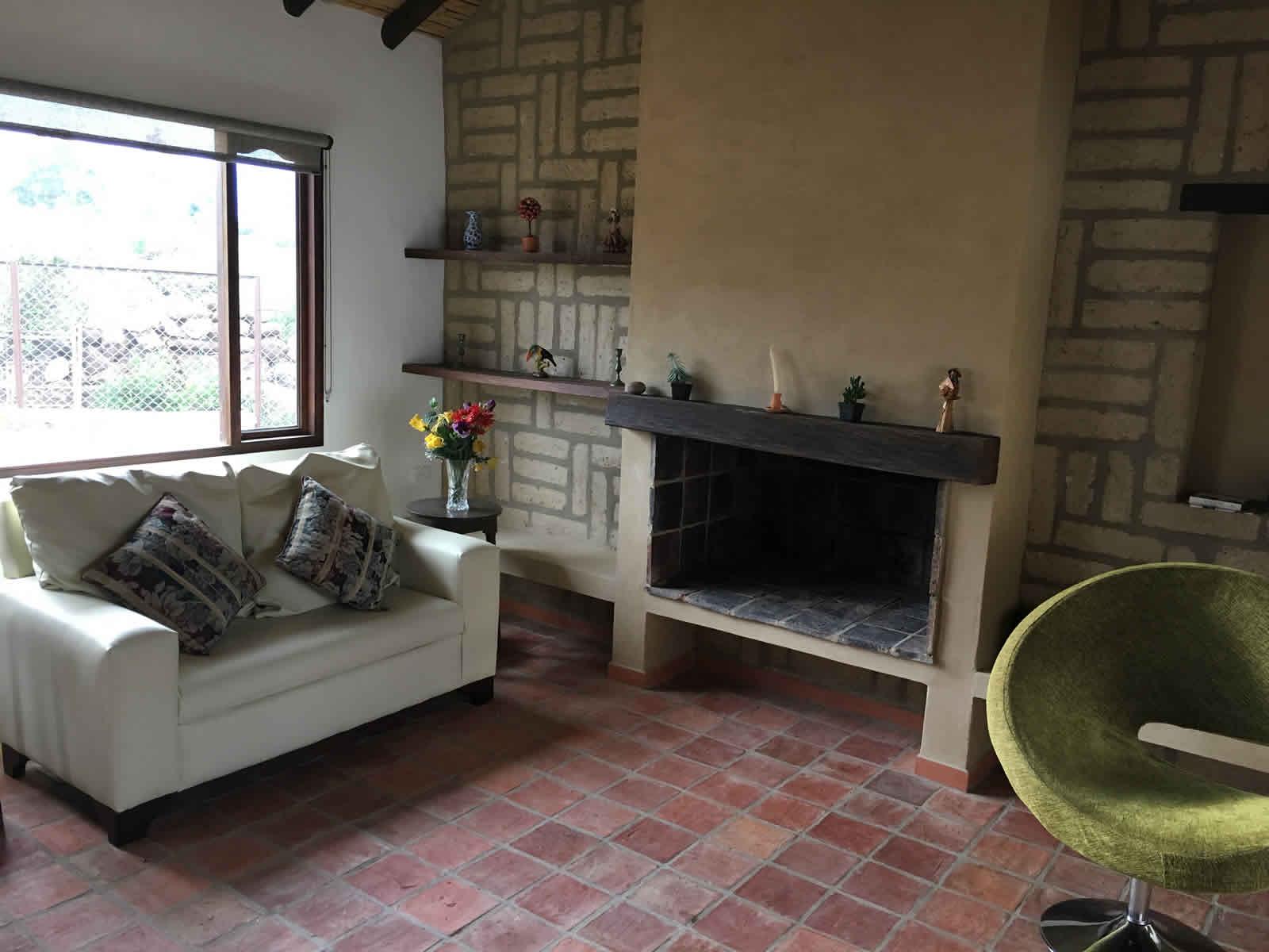 Alquiler casa El Silencio en Villa de Leyva - chimenea