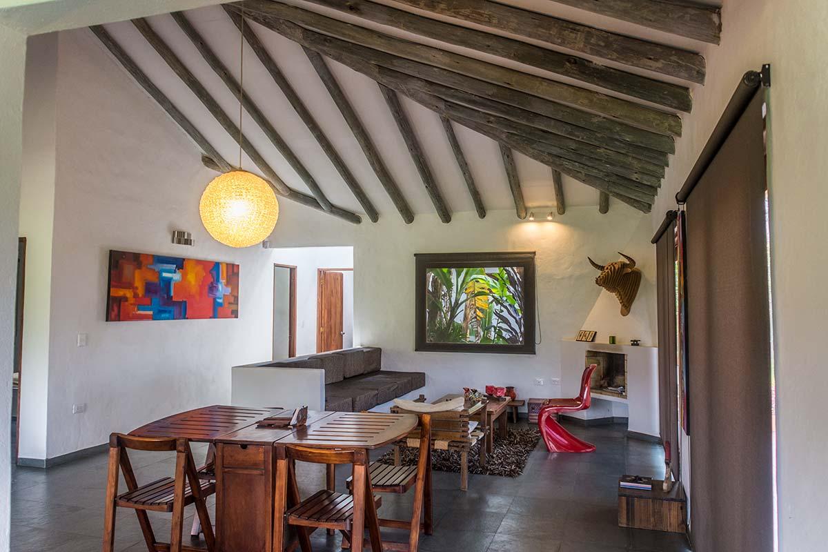 Alquiler Finca El Aliso en Villa de Leyva - Sala y comedor