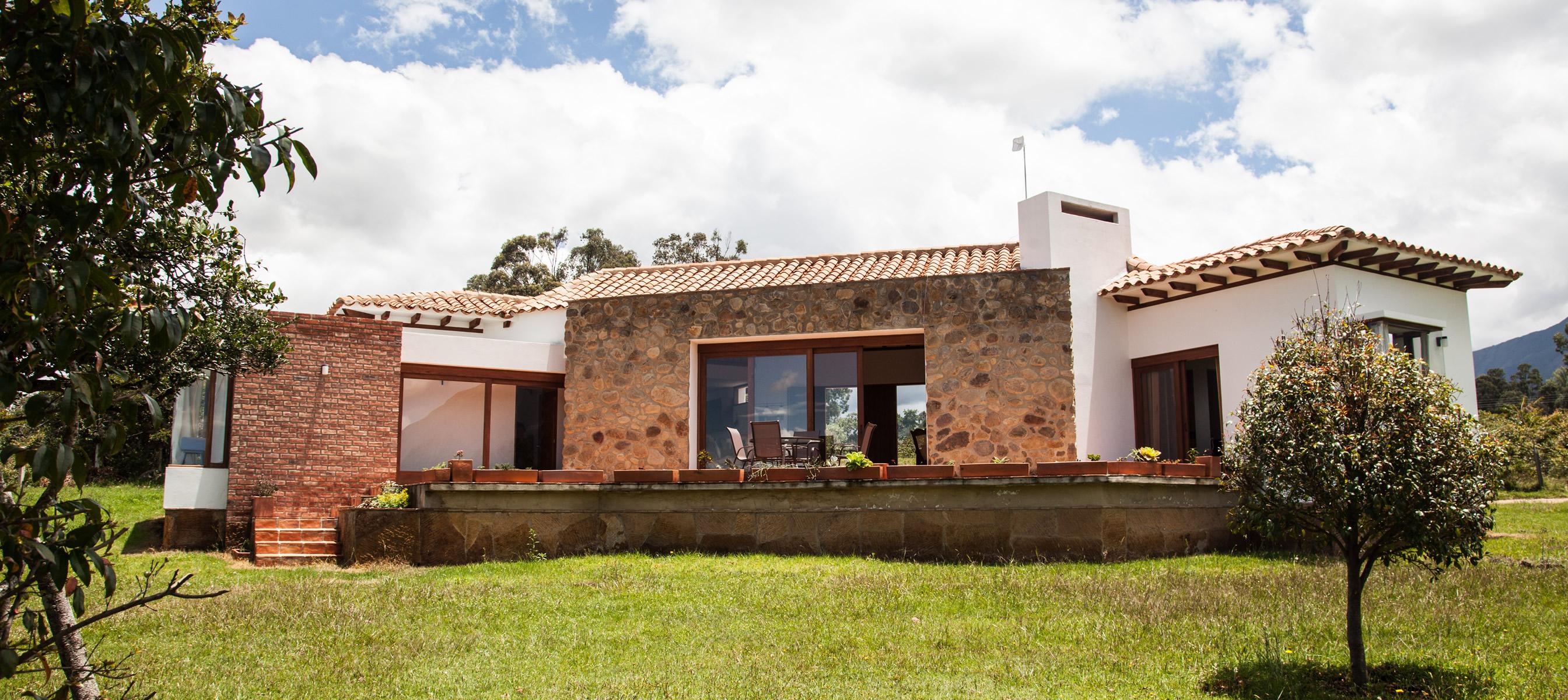 Alquiler casa yojata en villa de leyva for Casas de alquiler en